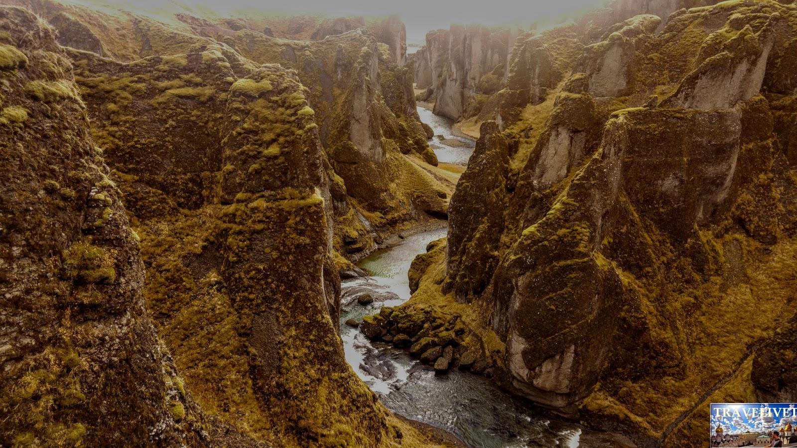 Islande : La Canyon Fjaðrárgljúfur