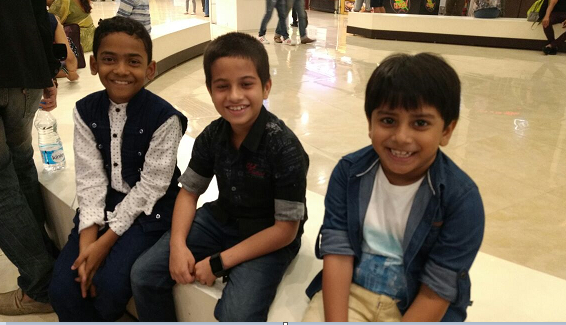 1869 CAST - YOUNG TALENTED KIDS AT THE SPECIAL SCREENING OF THE FILM AT INORBIT MALL, MALAD
