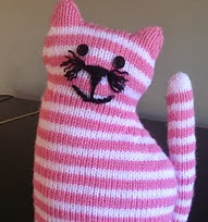 http://www.ravelry.com/patterns/library/the-window-cat