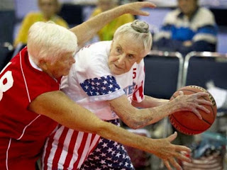 smešna slika: starija košarka