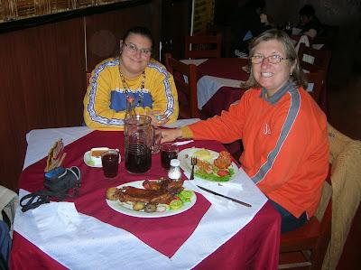 Cuy asado, rocotó relleno, Puno, Perú, La vuelta al mundo de Asun y Ricardo, round the world, mundoporlibre.com