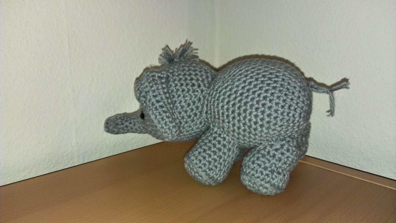 AMIGURUMI ANLEITUNG HÄKELN Häkelanleitung Kleiner Elefant ... | 902x1600