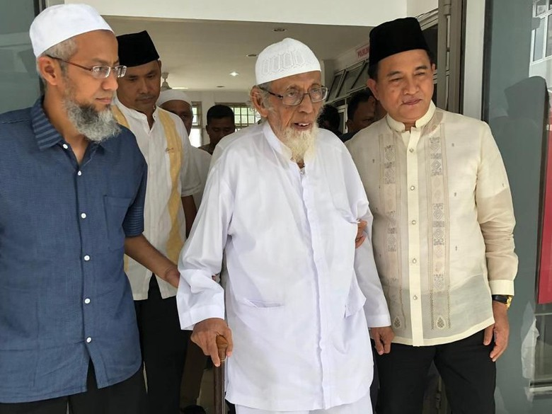 Ternyata, Ustadz Abu Bakar Bisa Bebas Bulan Desember 2018, Ini Alasan Tim Kuasa Hukum