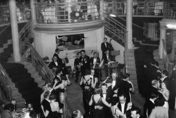 8 March 1941 worldwartwo.filminspector.com Cafe de Paris