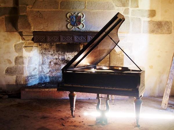 {Urbex} Le château au piano