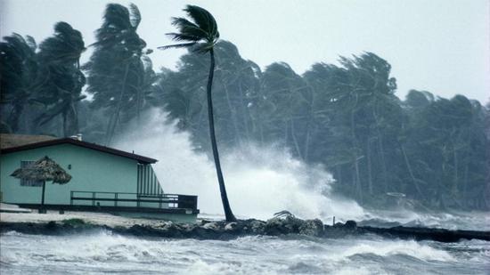 Tempestade causada por furação