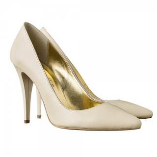 pantofi tip stiletto