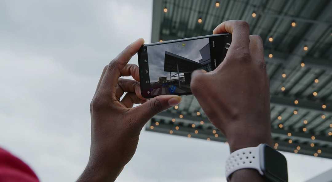 LG V40 ThinQ Camera.