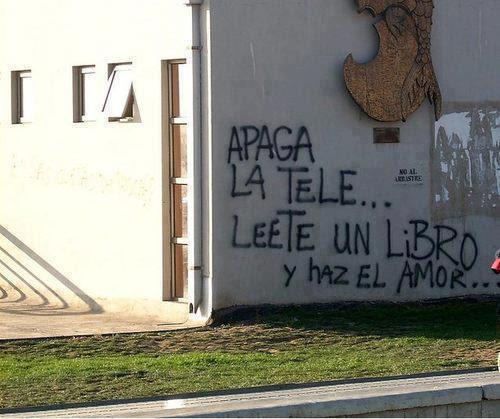 Meme de humor sobre pintadas callejeras