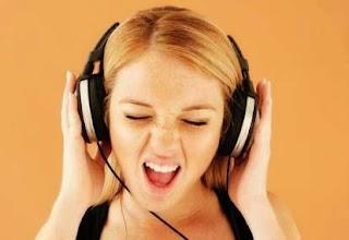5 Dampak Negatif Menggunakan Headset Terlalu Sering
