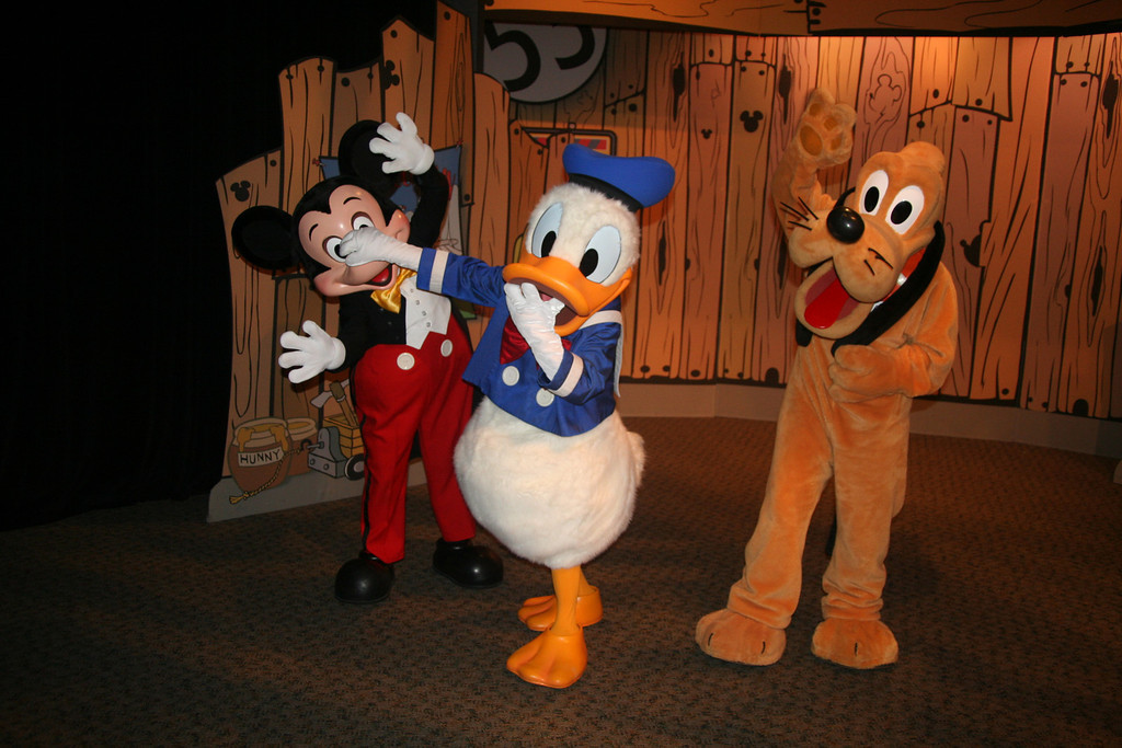 disney character meet and greet tips to save money