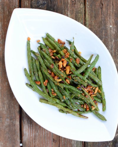 Roasted Green Beans with Rosemary & Walnuts ♥ A Veggie Venture. A Fall Classic. Just Five Ingredients. Simple Enough for Everyday, Sumptuous Enough for Occasions. Low Carb. Vegan. Naturally Gluten Free.
