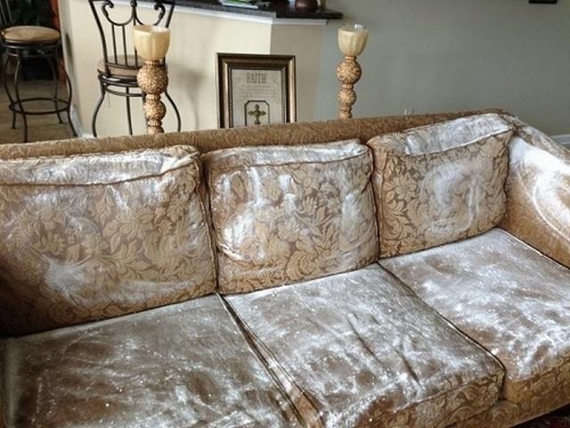 sử dụng baking soda để giúp làm sạch sofa da