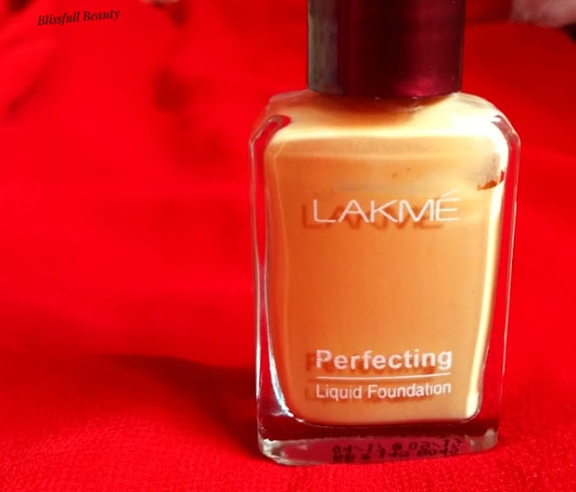 Lakme Perfecting Liquid Foundation Review(Natural Pearl)