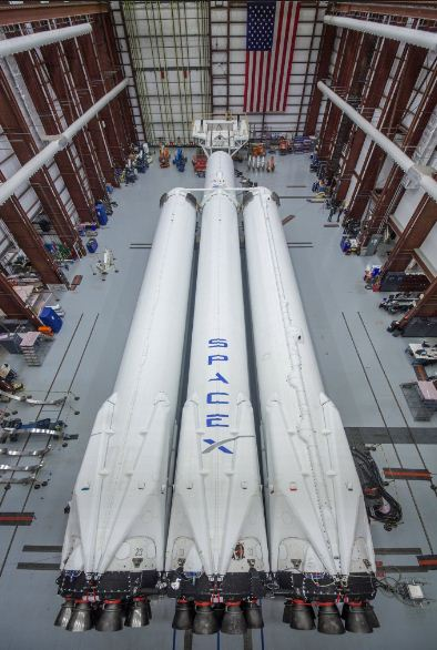 Илон Маск показал ракету, которая полет на Марс