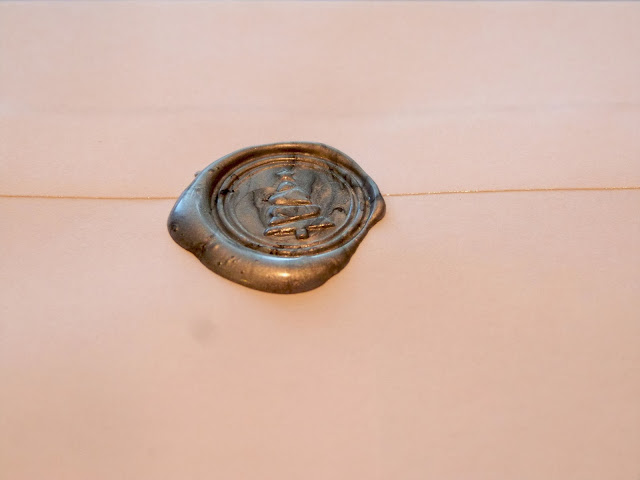 Stationery Nerd Alert: How to Use a Wax Seal Kit to Personalize Your Letters | CosmosMariners.com