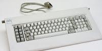 1. jenis keyboard komputer dari segi bentuk