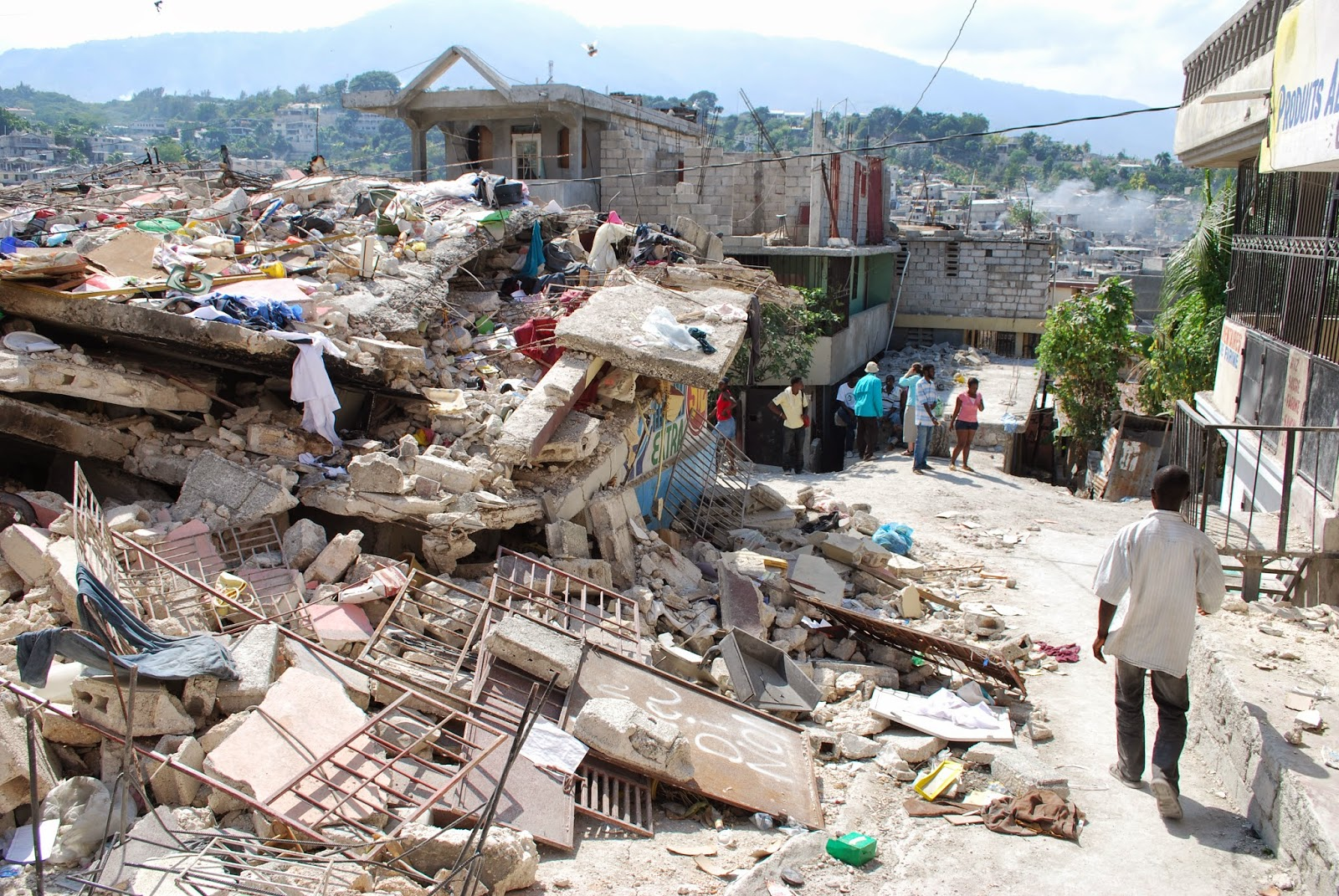 devastating earthquake ravaged haiti - HD 1600×1071