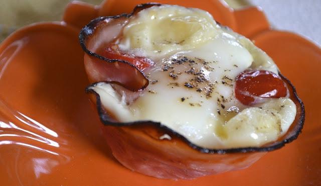 cheddar egg muffins, eggs in ham cups, healthy breakfast carbs,