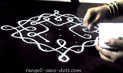 Simple-Margazhi-sikku-kolam-1a.jpg