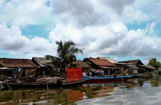 Perkampungan di sekitar Segara Anakan akhirnya berkembang menjadi tiga buah desa masing-masing Ujungalang, Ujung Gagak dan Panikel.