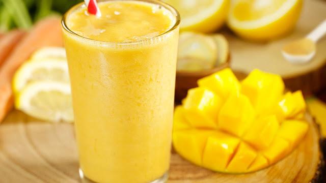 Smoothie de Mango, piña y plátano