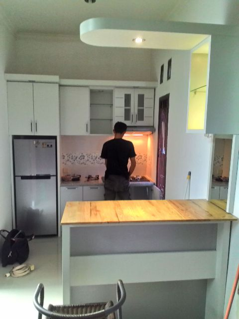 Wills Interior Design Solo Desain Kitchen Set Dan Mini Bar