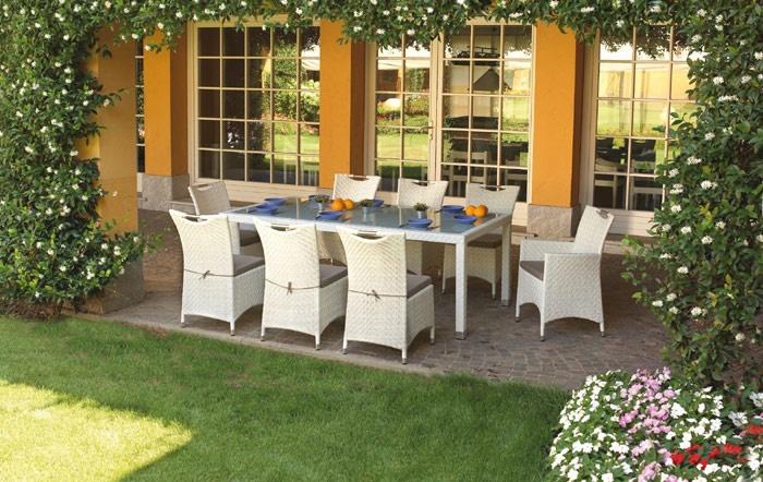 Greenwood Tavoli Da Giardino.Arredamento Giardino Tutti In Tavola Con Dining Set Djerba Di Greenwood