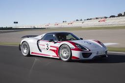 Porsches QuadTurbo, EightCylinder 488 GTB Fighter Delayed Due To VW Dieselgate