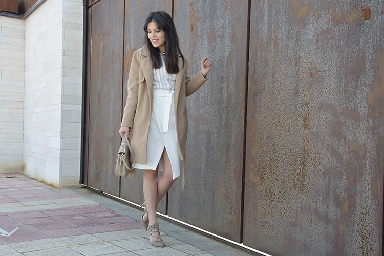 falda-flanca-look-blogger-trends-gallery-beige-outfit