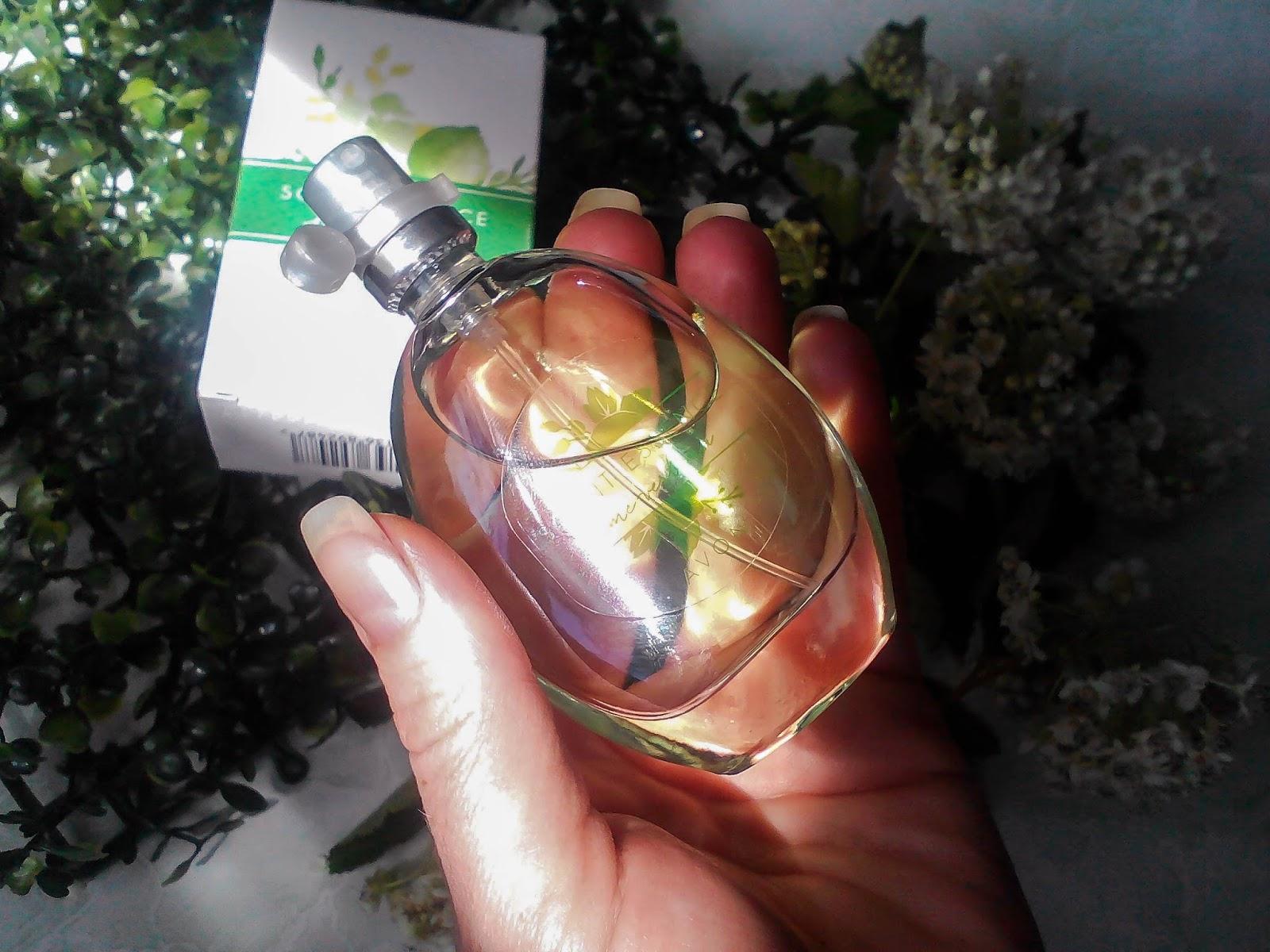 Ogromny Освежающий лимонад - Avon Scent Essence Lime Verbena. ST27
