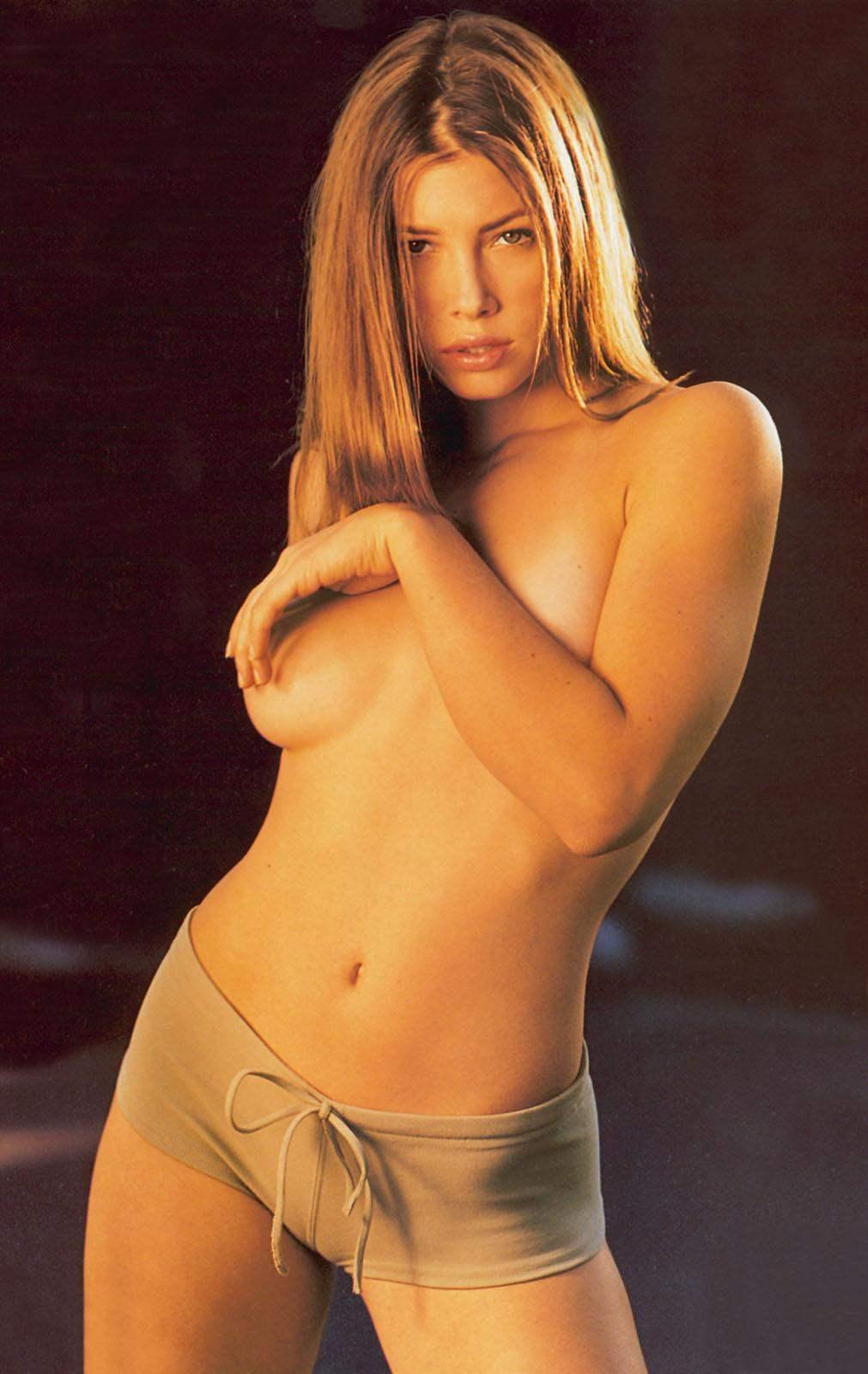 topless Jessica biel