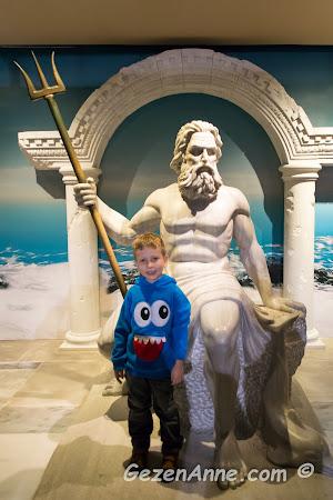 oğlum ve denizler tanrısı Poseidon, İstanbul Akvaryum