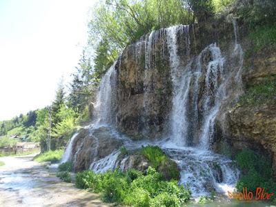 Cascada cu apa termala din Toplita