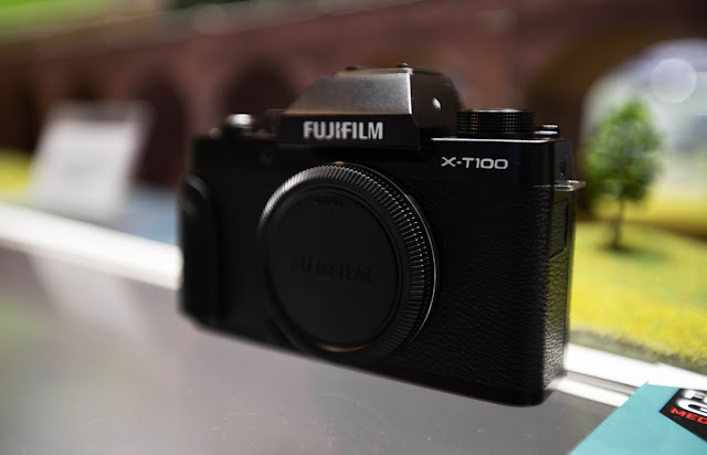 The Fuji X-T100 Mirrorless Digital Camera