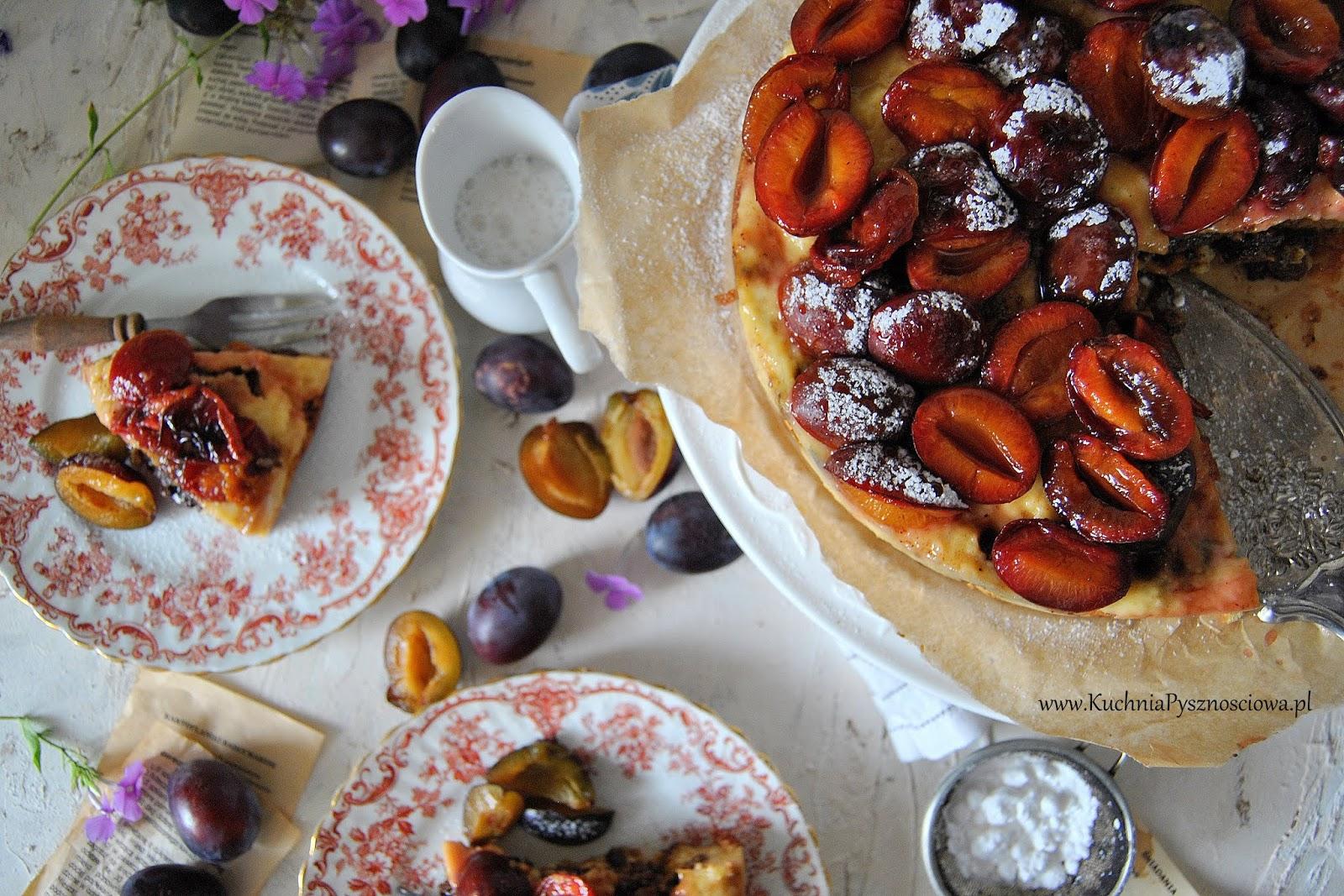 634. Ciasto z karmelizowanymi śliwkami i chrupiącą praliną