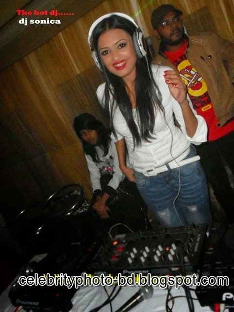 Bangladeshi Sexiest And Hottest Popular Dj Musician Girl Dj Sonica's Latest HD Photos Collection 2014