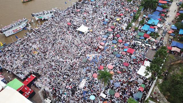 Pesona Prabowo Di Tepi Sungai Musi
