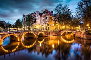 singelgracht-canal-en-amsterdam-capitalo-de-los-paises-bajos