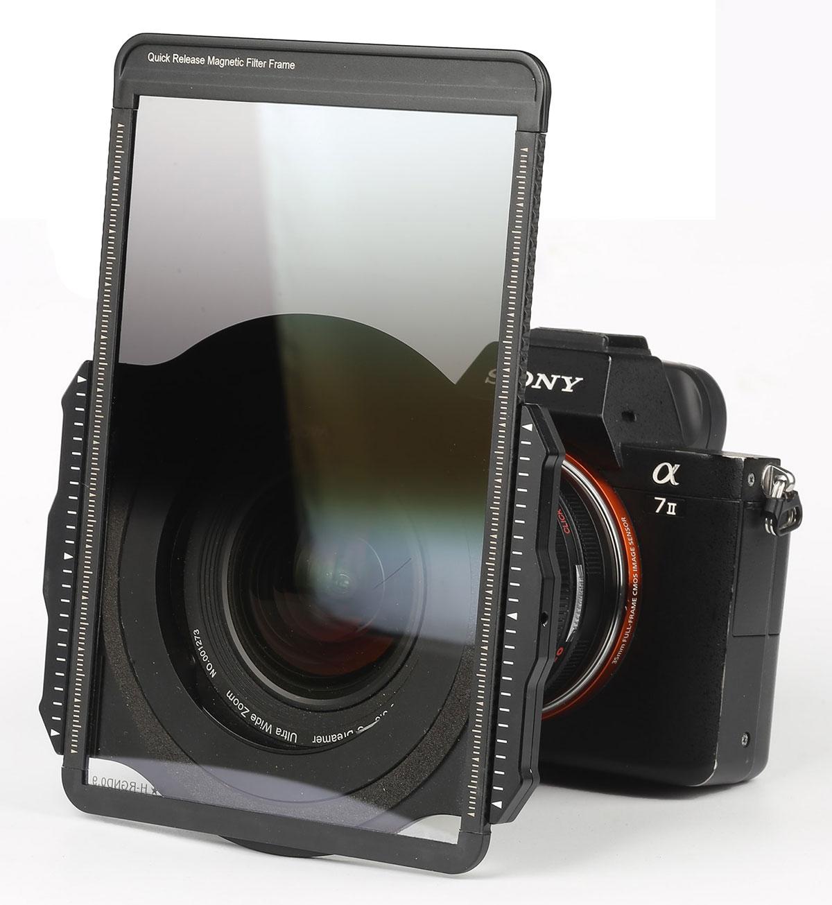 Объектив Laowa 10-18mm f/4.5-5.6 FE Zoom с системой магнитных фильтров