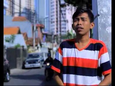 Dede Sunandar Pemeran Utama Sinetron Super Dede 2  MNCTV