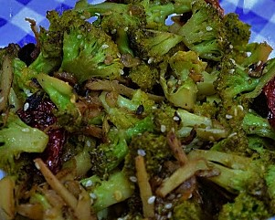 Quick stir fry broccoli with ginger and garlic