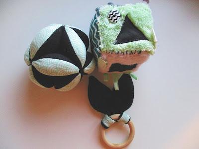 hochet balle Montessori cube éveil