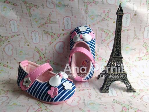 Sepatu bayi; sepatu bayi baru lahir; sepatu bayi usia 3bln; sepatu bayi perempuan; sepatu bayi wanita; sepatu bayi prewalker; sepatu bayi lucu; sepatu bayi konveksi; sepatu bayi murah; pernak pernik; pernak pernik bayi; grosir sepatu bayi