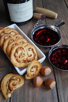 http://www.recettesgourmandesbykelou.com/2015/01/palmiers-au-jambon-fume-et-aux-noisettes.html