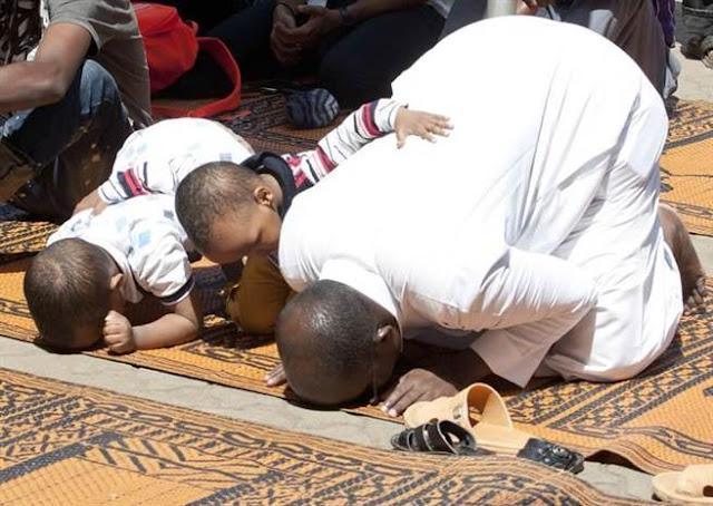 """Jangan Rampas Kegembiraan """"Malaikat"""" Kecil Di Masjid"""