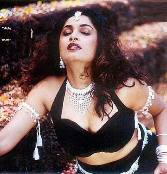 ramya-krishnan-swimsuit-photos-sexy