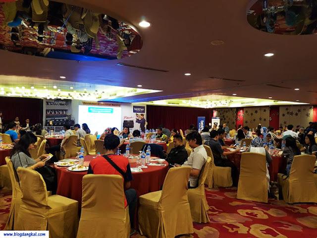 Suasana peluncuran Printer Tubing Brother Indonesia yang dihadiri sebatas mitra dan media industri