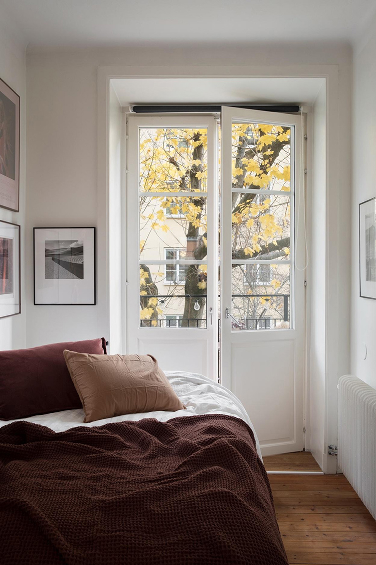 Cozy small bedroom in the perfect fall hues via Fantastic Frank