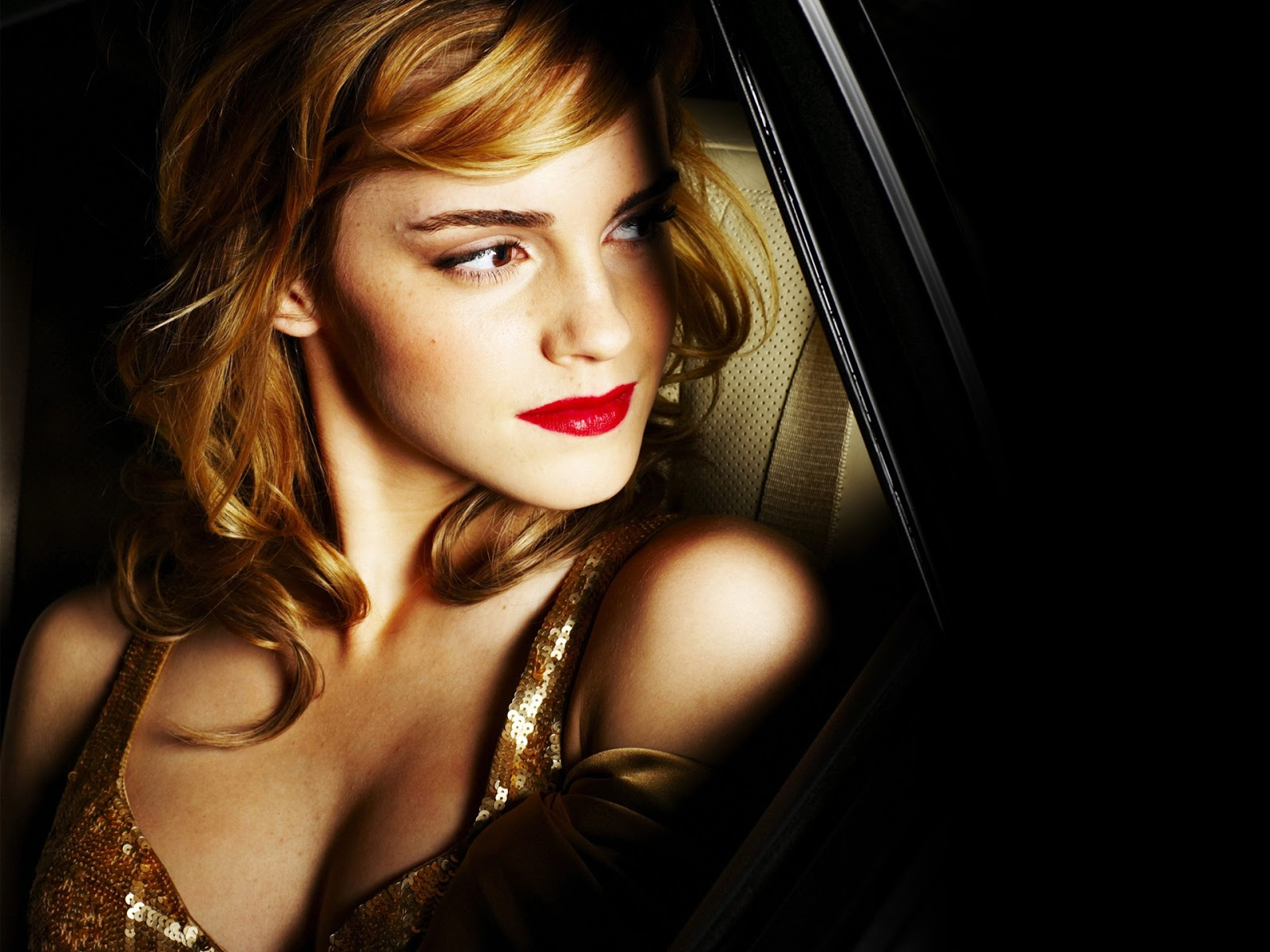 Emma Watson Hot Picture Collection  Icon Magazine-8146